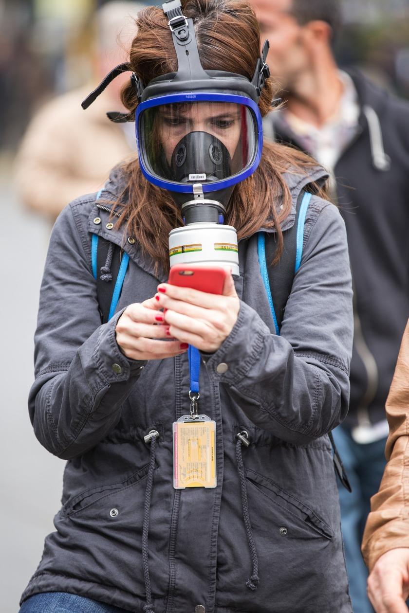 gas-mask-2933307_1920
