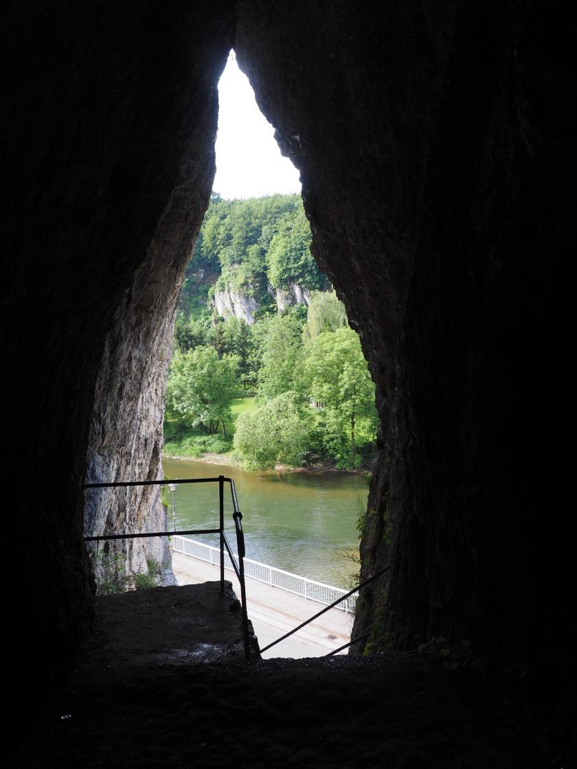 quite-steiner-cave-1272016_1920