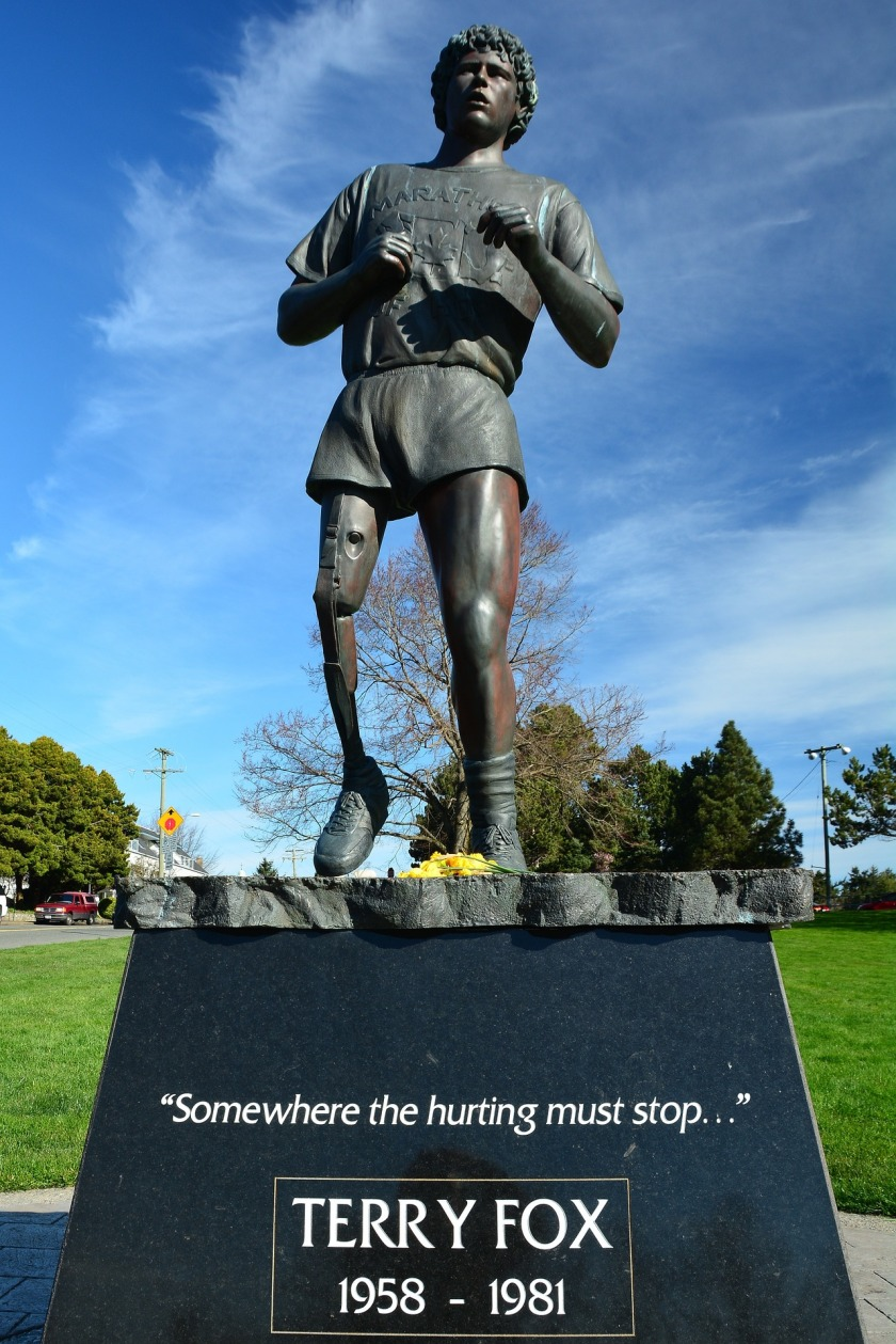terry-fox-monument-1231198_1920